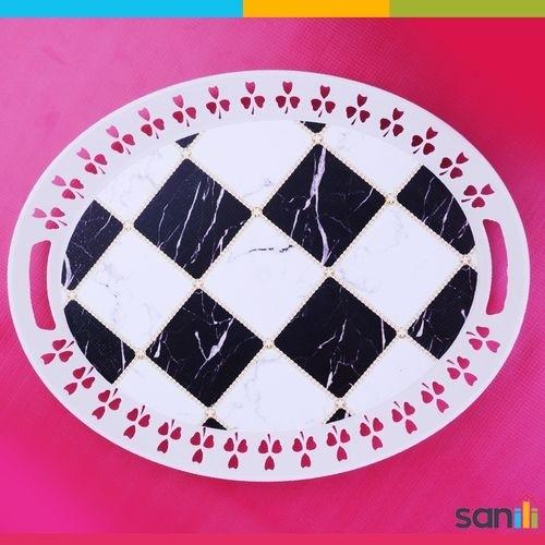 Plateau oval à motifs blanc et noir