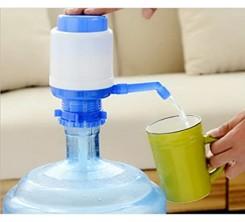 Distributeur d'eau Manuel Pompe de Presse Universel Sans BPA Compatible avec Eau en Bouteille